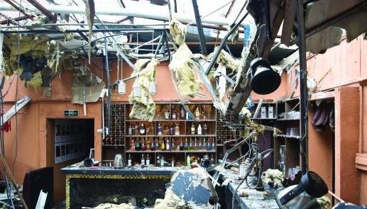 广州男子在大学城旁开酒吧2个月被砸3次