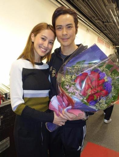 郑嘉颖陈凯琳曝下月结婚 两人或于加拿大举行婚礼